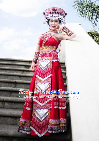 China Yi Nationality Traditional Wedding Red Dress and Headwear Ethnic Bride Apparels Yunnan Minority Embroidered Costumes