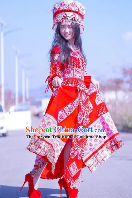 China Travel Photography Red Dress Miao Ethnic Bride Costumes Nationality Women Wedding Clothing with Headwear