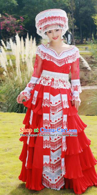 China Yunnan Wedding Costumes Red Blouse and Long Skirt Miao Ethnic Women Travel Photography Fashion with Headdress