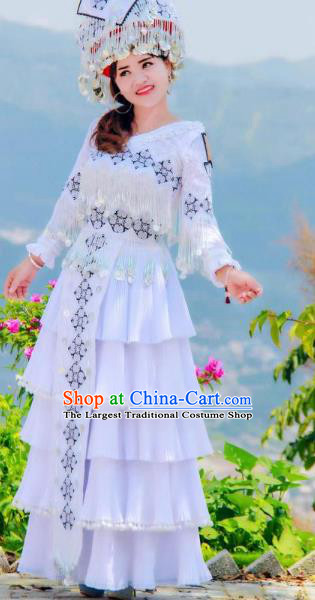 Top Grade China Traditional Miao Ethnic Costumes Yunnan Minority Nationality Folk Dance White Dress and Headwear
