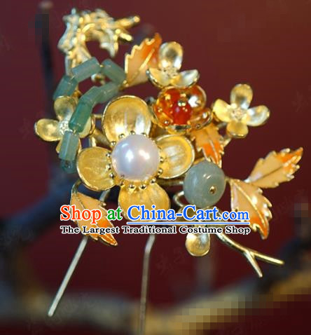 China Bride Jade Hairpin Hair Accessories Traditional Wedding Xiuhe Suit Golden Plum Hair Stick