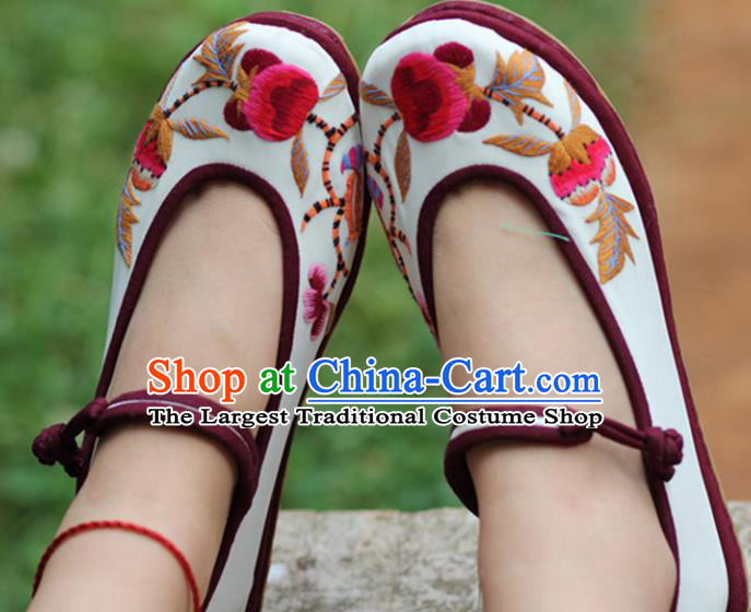 Chinese Handmade Embroidered White Cloth Shoes Hanfu Shoes Traditional National Shoes for Women