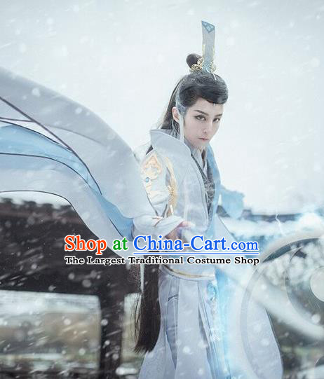 Chinese Cosplay Taoist Priest Swordsman White Hanfu Clothing Traditional Ancient Knight Costume for Men