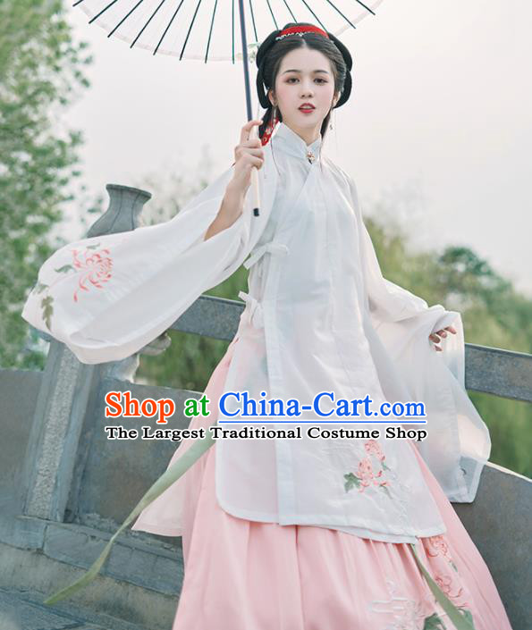 Chinese Ancient Nobility Madam White Hanfu Dress Traditional Ming Dynasty Imperial Consort Costumes for Women