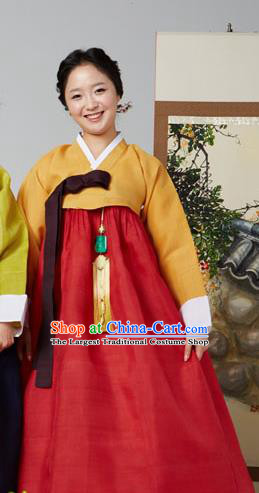 Korean Traditional Garment Yellow Blouse and Red Dress Mother Hanbok Asian Korea Fashion Costume for Women