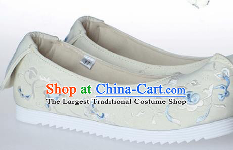 Chinese Traditional Handmade Beige Embroidered Shoes Opera Shoes Hanfu Shoes Ancient Princess Shoes for Women