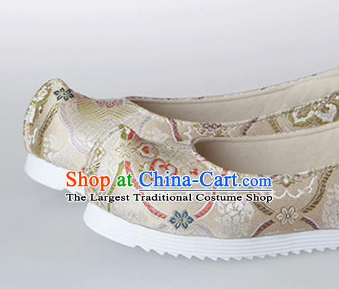 Chinese Traditional Handmade Beige Satin Shoes Opera Shoes Hanfu Shoes Ancient Princess Shoes for Women