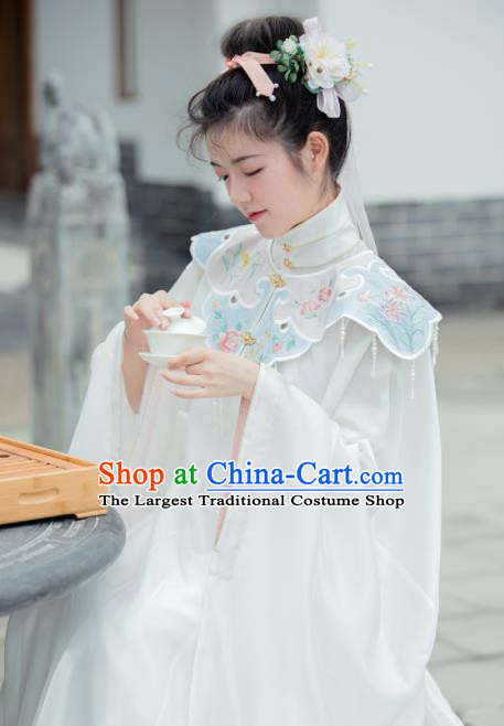 Chinese Ancient Royal Princess Embroidered White Blouse and Skirt Traditional Ming Dynasty Court Lady Costume for Women