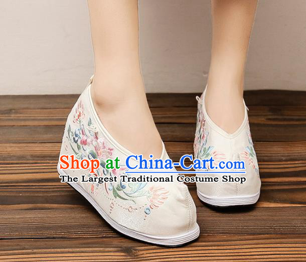 Asian Chinese Traditional Embroidered Beige Shoes Princess Shoes Opera Shoes Hanfu Shoes for Women