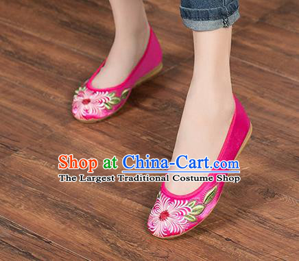 Chinese Traditional Embroidered Chrysanthemum Rosy Shoes Opera Shoes Hanfu Shoes Satin Shoes for Women