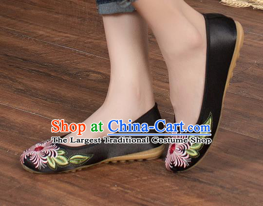 Chinese Traditional Embroidered Chrysanthemum Black Shoes Opera Shoes Hanfu Shoes Satin Shoes for Women