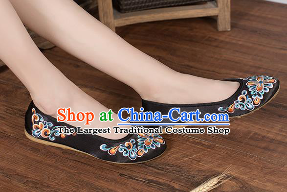 Chinese Traditional Embroidered Peach Blossom Black Shoes Opera Shoes Hanfu Shoes Satin Shoes for Women