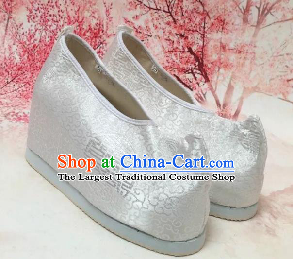 Asian Chinese Traditional White Satin Shoes Princess Shoes Opera Shoes Hanfu Shoes for Women