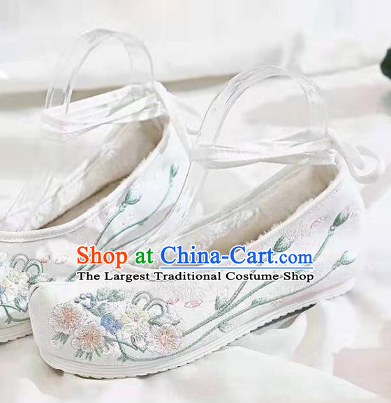Chinese Embroidered Flowers White Shoes Hanfu Shoes Women Shoes Opera Shoes Princess Shoes