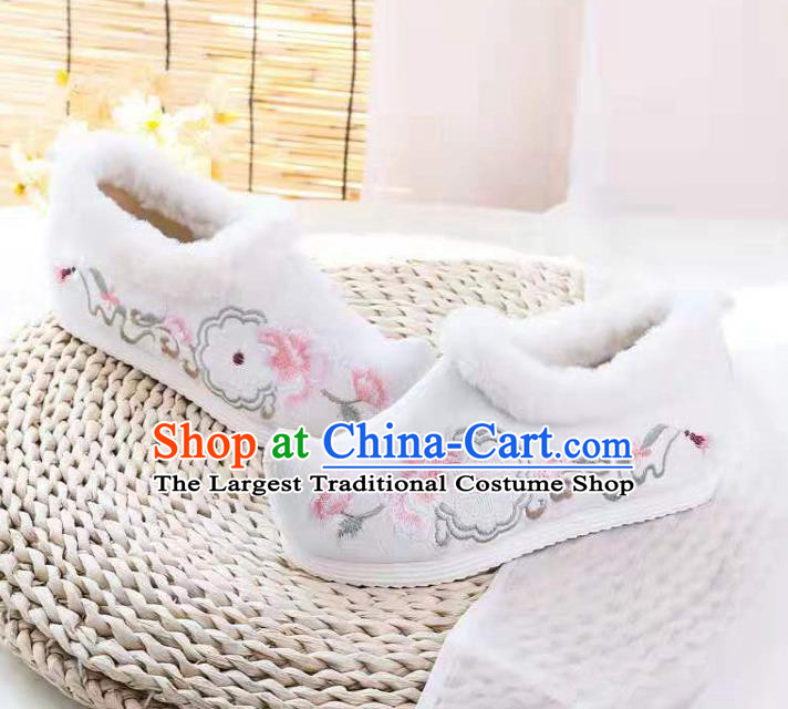 Chinese Winter Embroidered White Shoes Hanfu Shoes Women Shoes Opera Shoes Princess Shoes