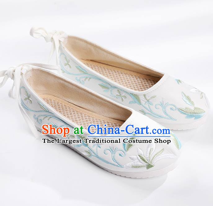 Chinese Embroidered White Shoes Hanfu Shoes Women Shoes Opera Shoes Princess Shoes