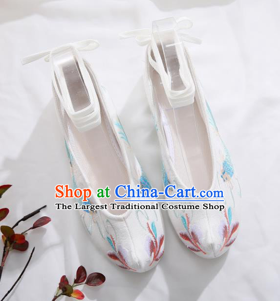 Traditional Chinese Embroidered Carp White Shoes Hanfu Shoes Women Shoes Opera Shoes Princess Shoes