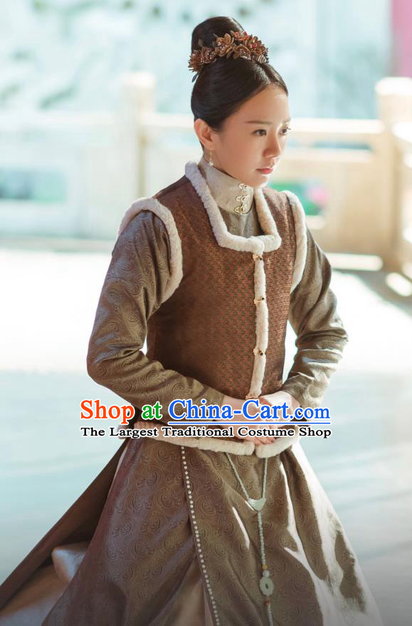 Chinese Ancient Drama Ming Dynasty Court Maid Replica Costumes and Headpiece Complete Set