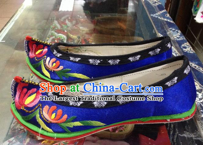 Traditional Chinese Wedding Blue Embroidered Chrysanthemum Shoes Princess Shoes National Shoes Hanfu Shoes for Women