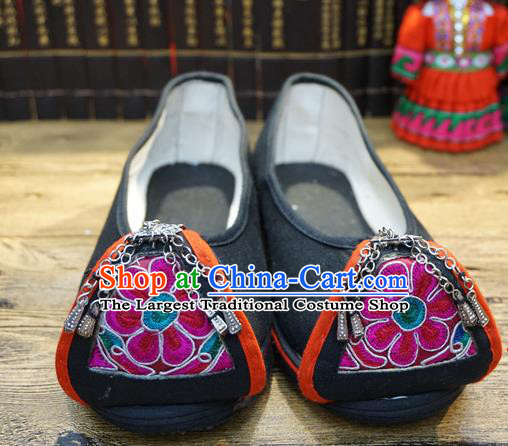 Traditional Chinese Ethnic Embroidered Black Shoes Handmade Yunnan National Shoes Hanfu Dress for Women