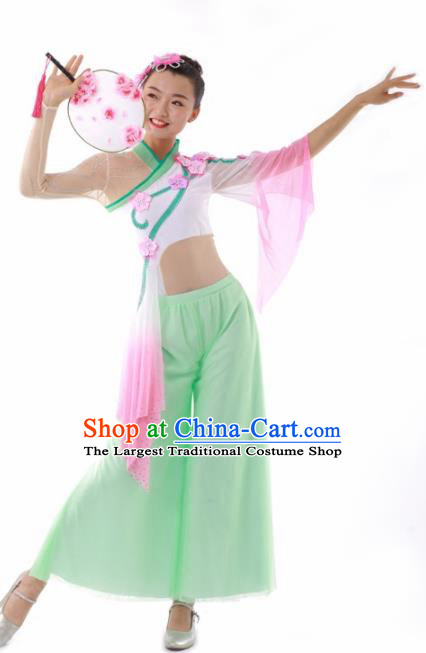 Chinese Traditional Fan Dance Light Green Outfits Folk Dance Stage Performance Costume for Women