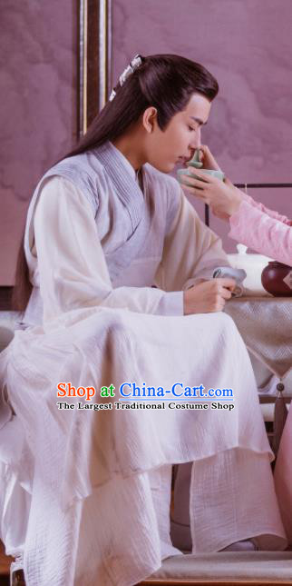 Chinese Ancient Swordsman Jing Ci White Clothing Historical Drama The Love Lasts Two Minds Costume and Headpiece for Men