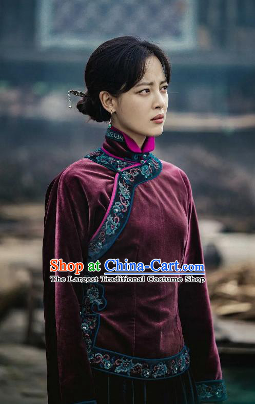 Chinese Historical Drama Candle in The Tomb The Wrath of Time Grave Robber Lady Hong Costume and Headpiece for Women