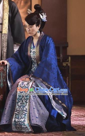 Chinese Historical Drama Swords of Legends Ancient Dame Fu Qingjiao Costume and Headpiece for Women