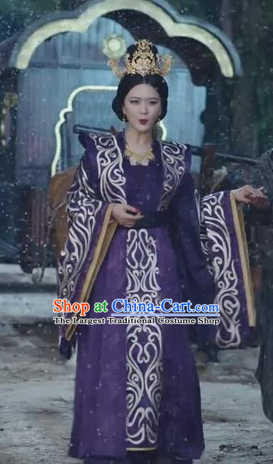 Chinese Ancient Royal Queen Purple Historical Drama Princess Silver Costume and Headpiece for Women
