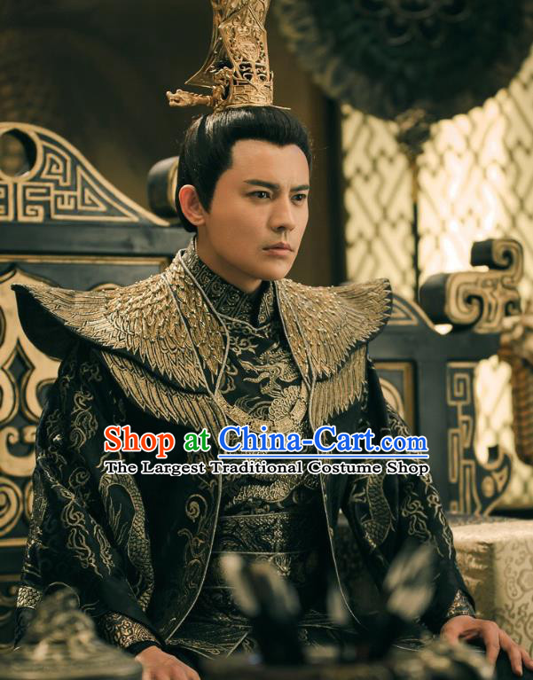 Chinese Drama Legend of the Phoenix Ancient Royal Emperor Pang Tong Historical Costume and Headwear for Men