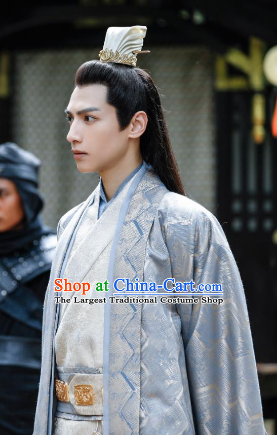 Drama Princess Silver Chinese Ancient Emperor Rong Qi Historical Costume and Headwear for Men