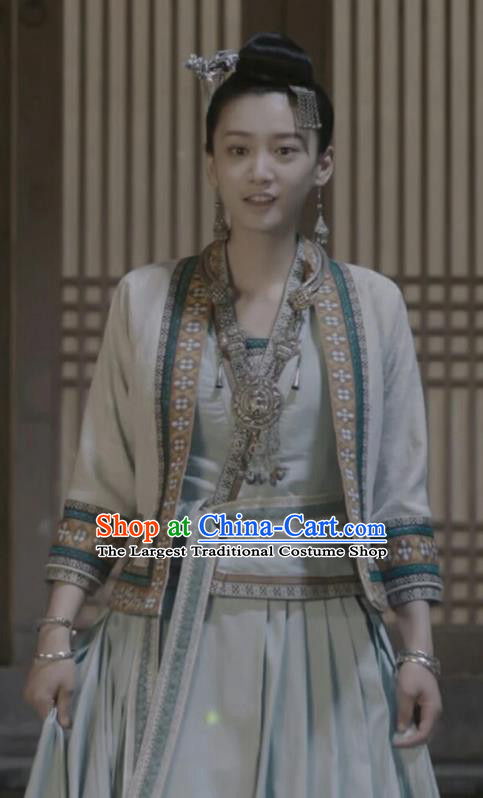 Chinese Ancient Swordsman Ming He Hanfu Dress Historical Drama Listening Snow Tower Costume and Headpiece for Women