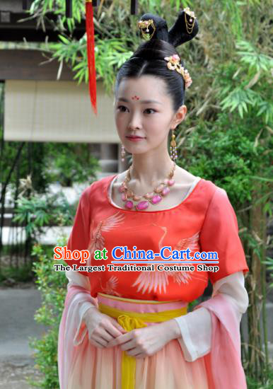 Chinese Ancient Tang Dynasty Noble Lady Dress Historical Drama Dagger Mastery Wang Yan Costume and Headpiece for Women