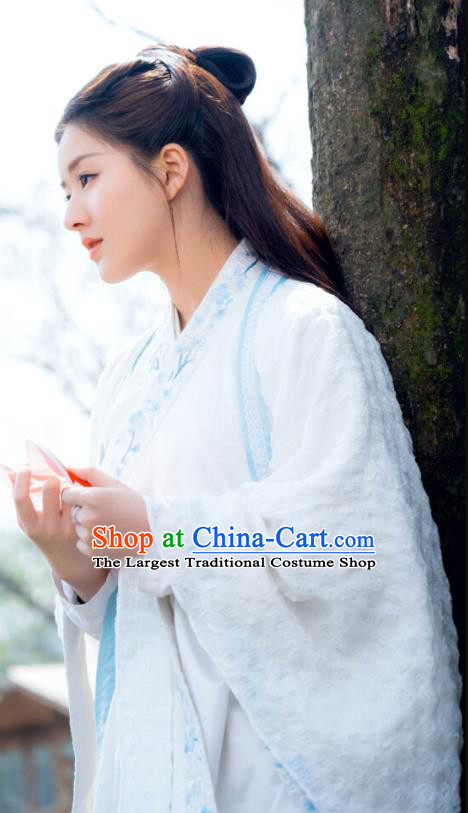 Chinese Ancient Noble Lady White Hanfu Dress and Hair Jewelry Historical Drama Love of Thousand Years Across A Man Costumes