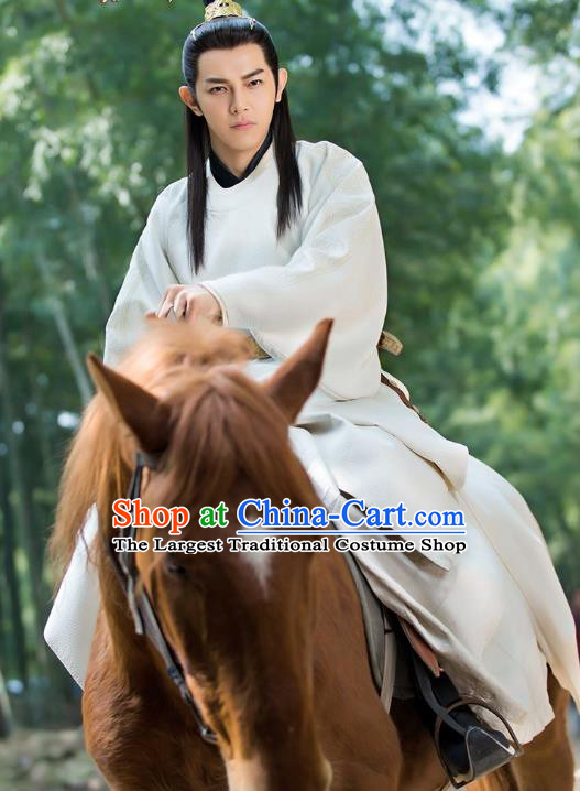 Chinese Ancient Emperor Hanfu Robe Drama Mengfei Comes Across Wen Lou Costumes and Golden Hair Crown