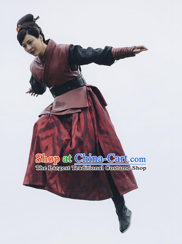 Chinese Ancient Swordswoman Historical Costumes and Hairpins Drama Tang Dynasty Tour Tian Ruolan Dresses