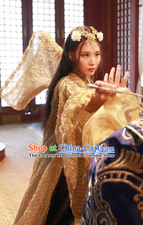 Chinese Ancient Swordswoman Historical Costumes Drama Cover the Sky Qin Di Golden Hanfu Dress and Hair Accessories
