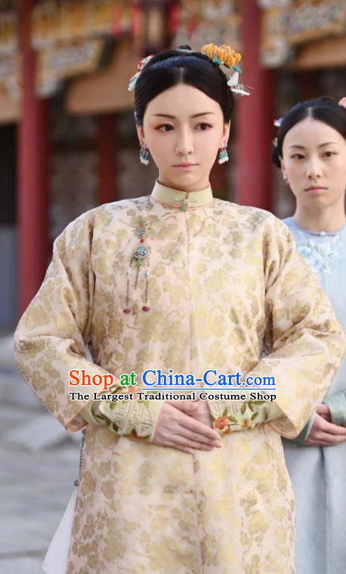 Chinese Ancient Garment Manchu Court Lady Apparels Apricot Qipao Dress and Hair Accessories Drama Dreaming Back to the Qing Dynasty Rani Ming Hui Costumes