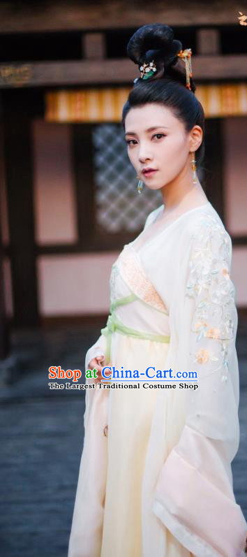 Chinese Wuxia Drama Ancient Princess Garment The King of Blaze Costumes Apparels Infanta Pei Luoqing Beige Hanfu Dress and Hair Accessories