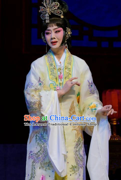 Chinese Cantonese Opera Diva Dress Apparel Princess Chang Ping Peking Opera Hua Tan Garment Costumes and Headwear