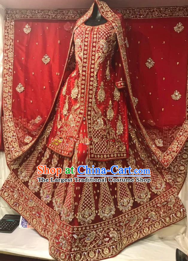 Indian Traditional Bride Diamante Red Lehenga Exquisite Embroidered Dress Asian Hui Nationality Wedding Costume for Women