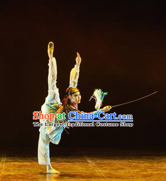 Chinese Yue Nv Ling Feng Sword Dance Dress Traditional Classical Dance Stage Performance Costume for Women