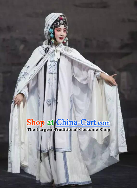 Chinese Kun Opera The Peach Blossom Fan Female Role Li Xiangjun Dress Apparels Peking Opera Actress Hua Tan Garment Costumes and Headdress