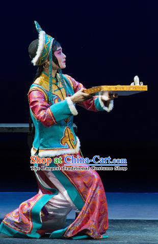 Chinese Kun Opera Xiaodan Dress Apparels Costumes and Headdress Continue the Pipa Traditional Kunqu Opera Court Maid Garment