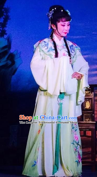 Chinese Shaoxing Opera Rich Mistress The Wrong Red Silk Costumes Yue Opera Garment Young Lady Dress Apparels and Hair Ornament