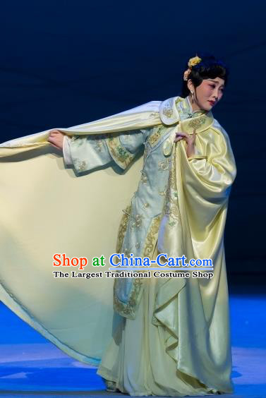 Chinese Beijing Opera Young Lady Apparels Costumes and Headdress Jin Lv Qu Traditional Peking Opera Hua Tan Actress Yun Ji Dress Garment