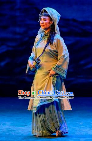 Chinese Sichuan Opera Elderly Female Garment Costumes and Hair Accessories Scholar of Ba Shan Traditional Peking Opera Country Woman Dress Dame Apparels