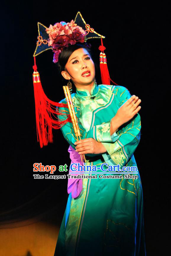 Chinese Beijing Opera Imperial Consort Garment Costumes and Headdress Shao Nian Tian Zi Traditional Qu Opera Hua Tan Apparels Qing Dynasty Court Woman Green Dress