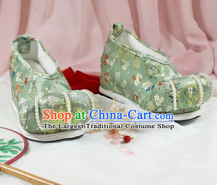 Chinese Traditional Handmade Green Satin Shoes Women Hanfu Shoes Ancient Princess Pearls Shoes Embroidered Shoes