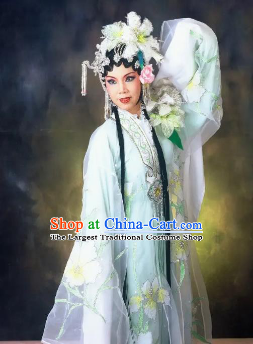 Chinese Cantonese Opera Diva Du Caiwei Garment Hua Yue Ying Costumes and Headdress Traditional Guangdong Opera Young Beauty Apparels Hua Tan Dress